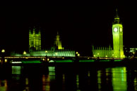 Westminster Bridge / Westminster Bridge and the Houses of Parliament at night